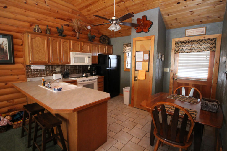 Kitchen and Dining Area Serenity Log Cabin
