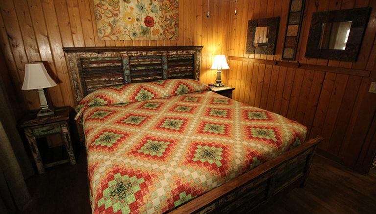 Bedroom #5 Alternate View Deer Trail Log Cabin