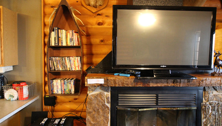 Entertainment Area Split Oak Log Cabin